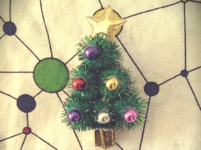 broche pino navidad