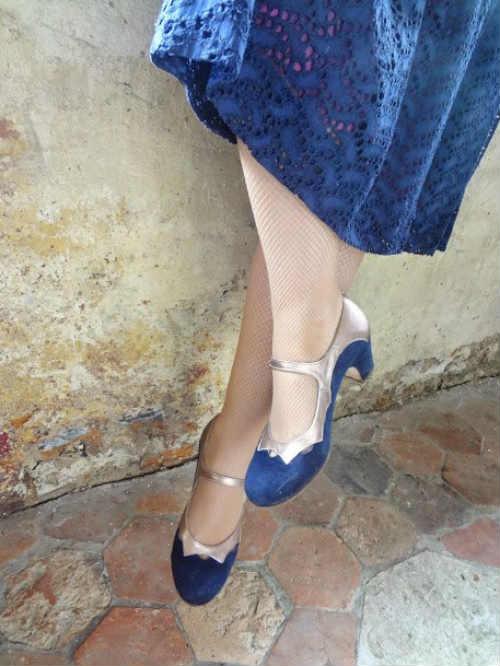 Zapatos personalizados de una clienta para una boda.