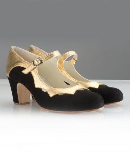 Zapatos estrella con el ribete dorado. Mi elección.