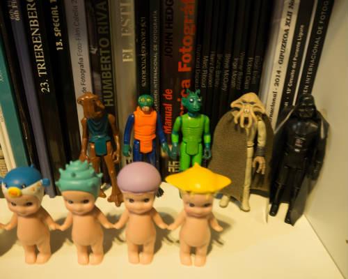 Atención a las mezclas de Estrella: por un lado los super cucos Sonny Angels y por otro figuras de Star Wars antiguas, de cuando era pequeña.