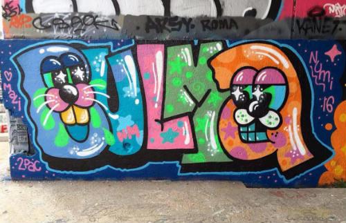 bulma-escritoras-graffiti